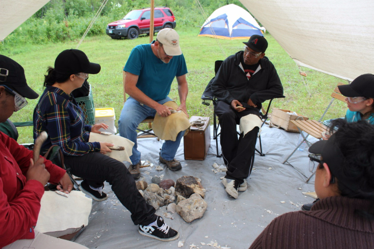 w-11-bohr-hist-3573-chris-whaley-teaching-flint-knapping