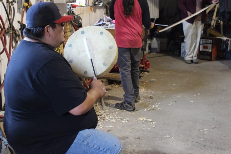 w-41-bohr-hist-3573-elder-neil-sioux-drumming