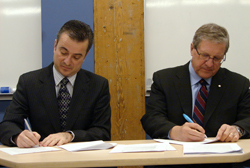 Red River College And University Of Winnipeg Sign Agreements University Of Winnipeg News Centre