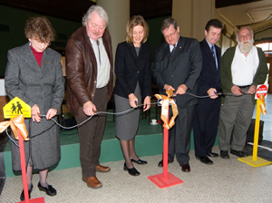 "Diane McGifford, Wayne Helgason, Simone Smith, Lloyd Axworthy, Jeff Zabudsky and Harvey Smith were on hand to cut the ""wire"" officially launching LearningCITI, which provides innovative wireless technology in downtown Winnipeg."