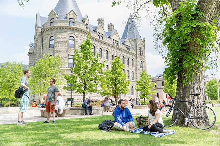 A picture of the University of Winnipeg campus.
