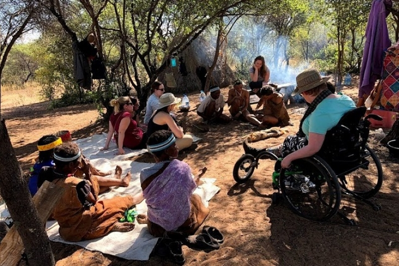 Students learned about traditional medicines, trapping and handicrafts from San Indigenous people at D'Qae Qare Lodge, a community-run lodge near D'Kar as part of their 2018 field course in Botswana.